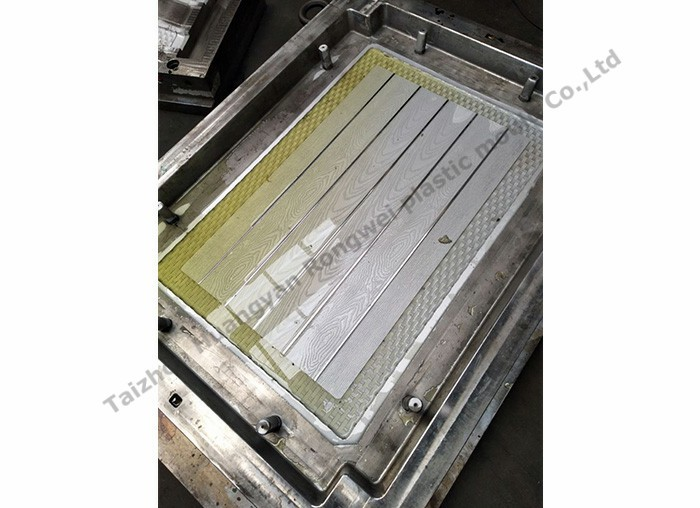 How to Avoid Damage When Processing Table Mould